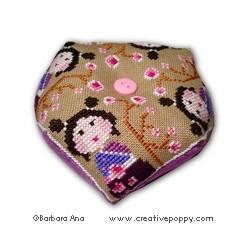 Biscornu Kokeshi II - Barbara Ana Designs