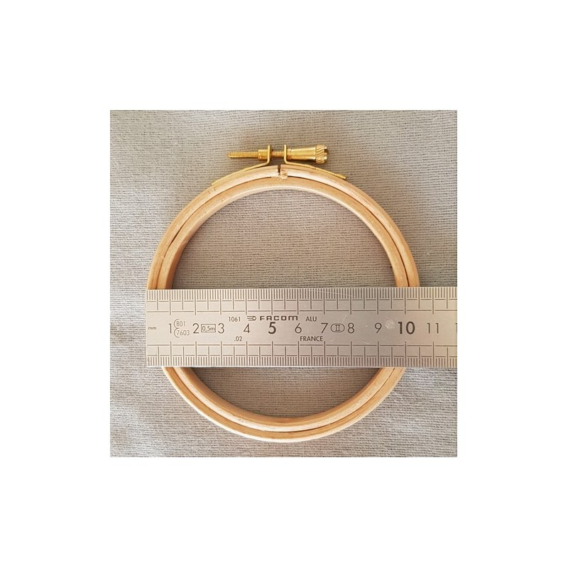 Tambour à broder en bois 10 cm