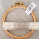 Tambour à broder en bois 12.5 cm